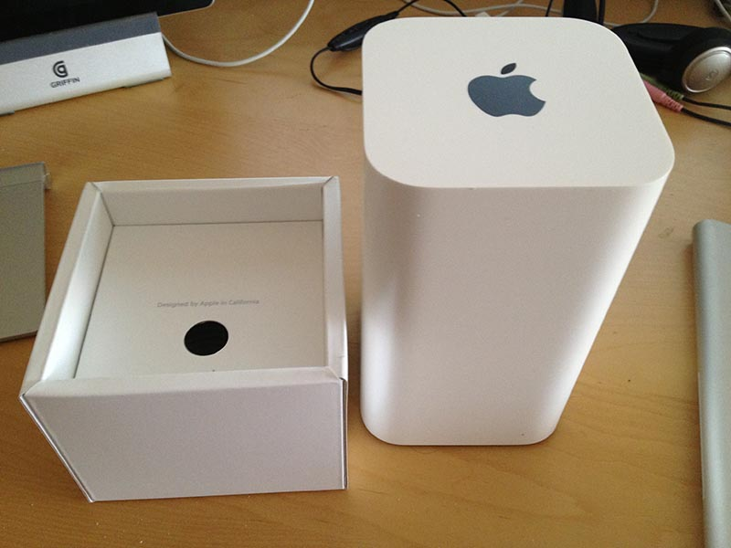 AirPort Extreme box, showing the shallow base next to the tall unit.